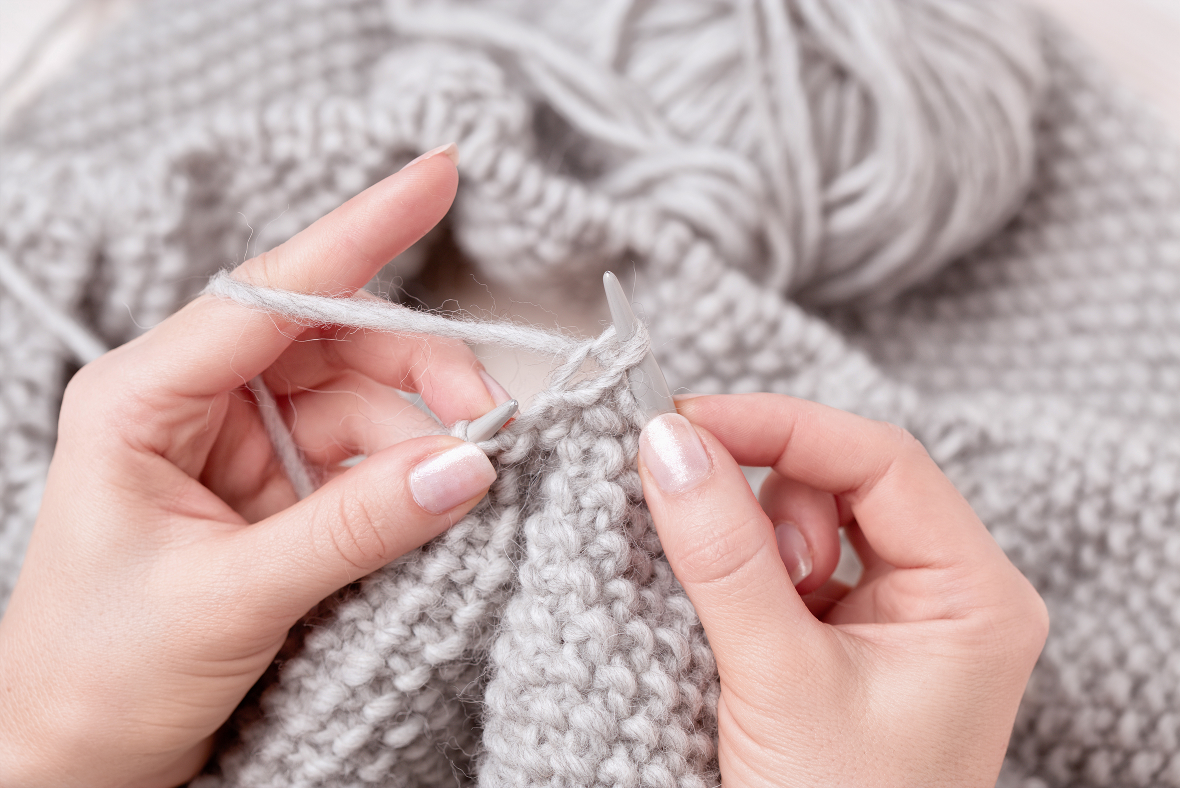 Continental Knitting For Beginners What Is Continental Knitting Creacrafts Blog