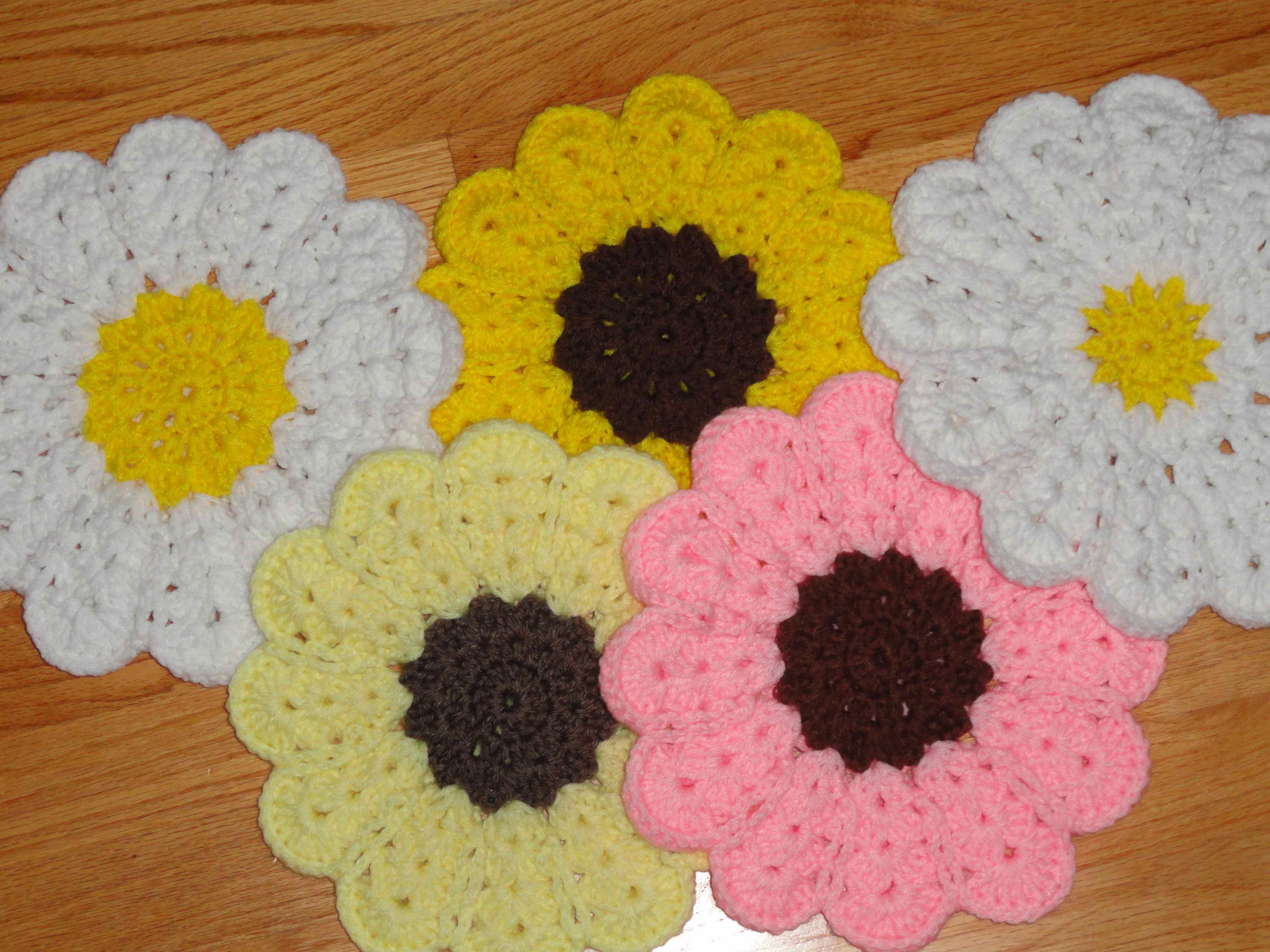 Crochet Trivets Free Pattern Crochet Flower Power Trivet Yarnchick
