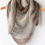 Double Knitting Tutorial Scarfs How To Knit An Easy Triangle Wrap Mama In A Stitch