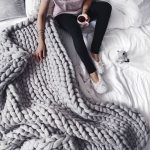 Knit Blanket Pattern This Is The Easiest Tutorial For That Chunky Knit Blanket Everyone
