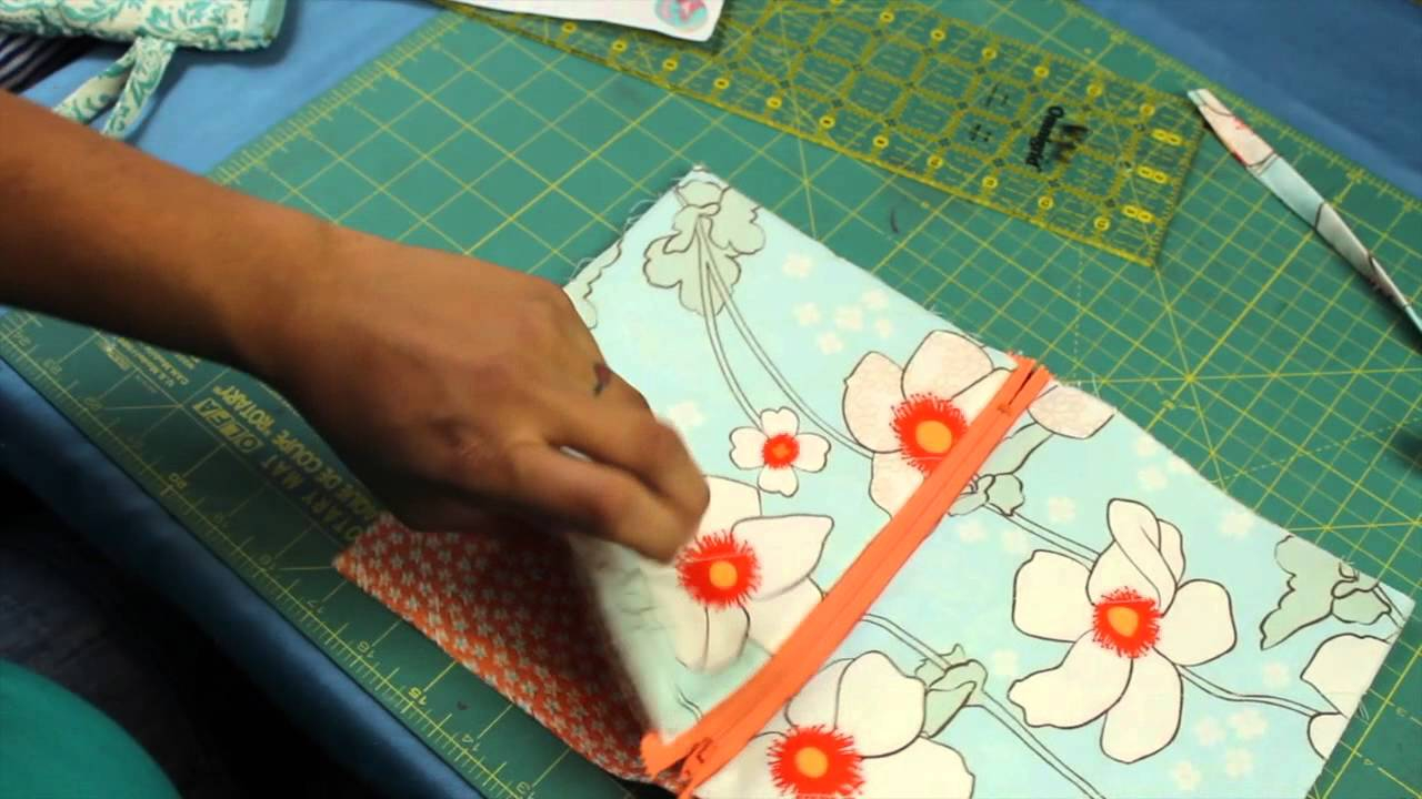 Sewing Vinyl Bags Zipper Pouch How To Make A Zipper Wristlet Or Makeup Cosmetic Bag Pouch Youtube